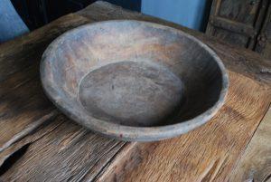 oud-houten-schaal